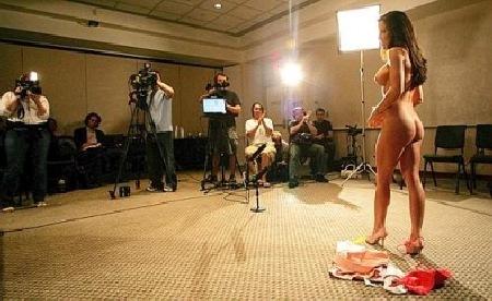 Naked News il telegiornale soft