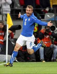 Soffre Italia, la salva De Rossi